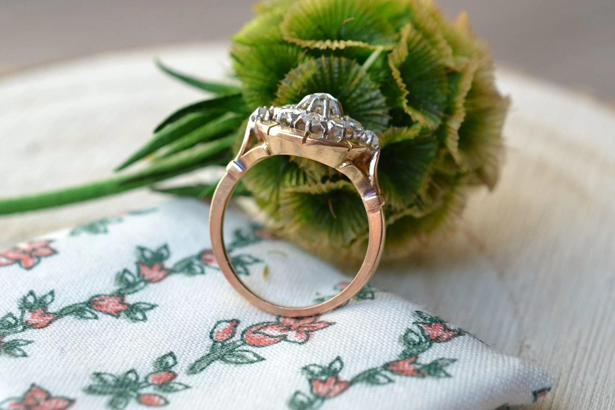 Bague en Or jaune enrichie de diamants - bague de seconde main