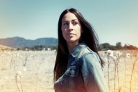 Alanis Morissette, Noise11, Photo