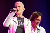 Roxette's Marie Fredriksson and Per Gessle entertain fans at Rod Laver Arena, photo Ros O'Gorman