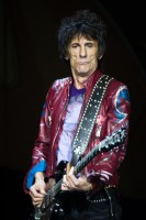 Ronnie Wood, photo by Ros O'Gorman, the rollings stones melbourne 2014
