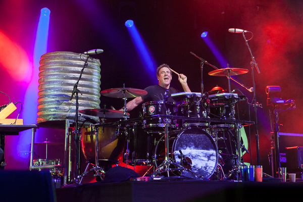 Midnight Oil play the Bowl on their Great Circle Tour 2017 Monday 6 November 2017. Photo by Ros O'Gorman