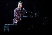 Lionel Richie Rod Laver Arena on Sunday 8 April 2017. Photo by Ros O'Gorman