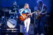 Sheryl Crow performs at Margaret Court Arena on Friday 6 April 2018. Photo by Ros O'Gorman