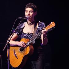 Deborah Conway photo by Ros O'Gorman