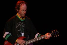 Robby Krieger of The Doors Melbourne 2005 photo by Ros O'Gorman