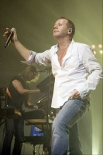 Jim Kerr of Simple Minds photo by Ros O'Gorman