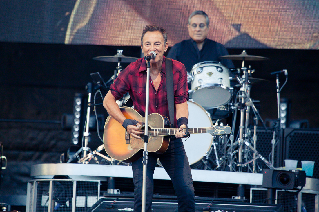 Bruce Springsteen Previews First Springsteen On Broadway Show