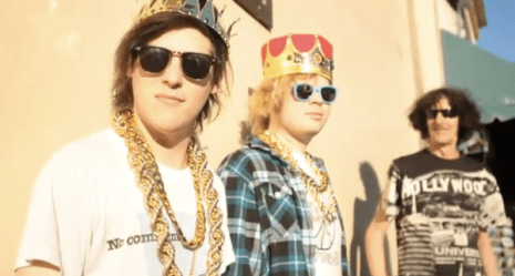 Wavves-King-Of-The-Beach-Video