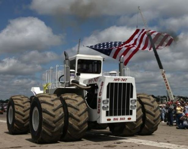 trattore più grande del mondo