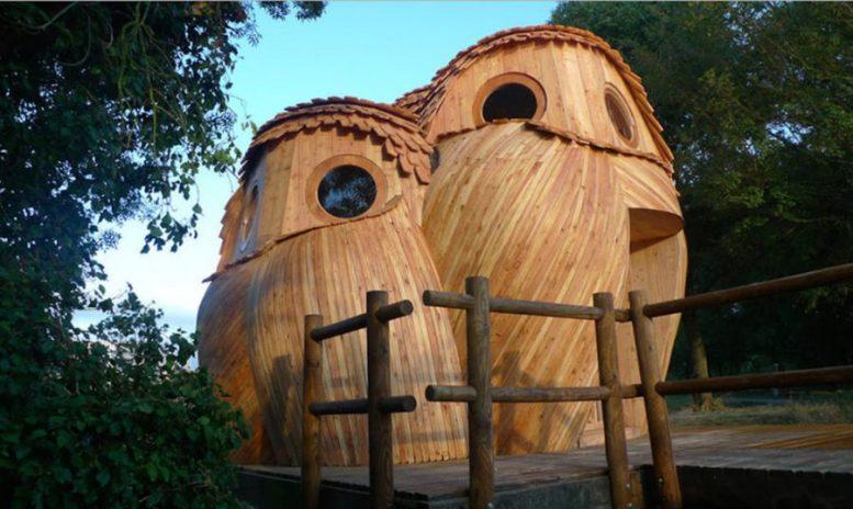 Les-Guetteurs-Una casetta a forma di tre gufi
