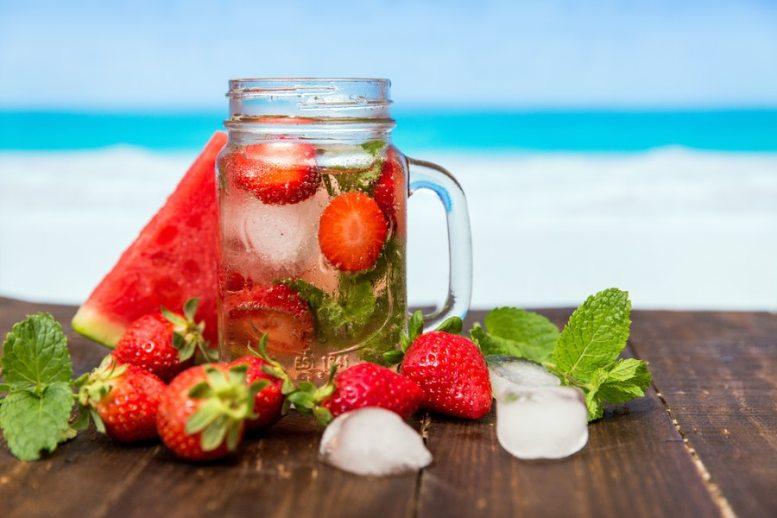 le acque condite con frutta e verdura