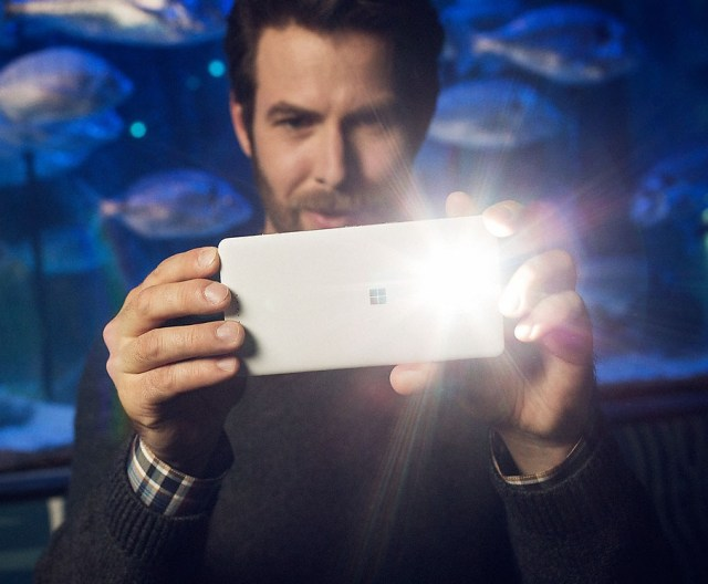 Lumia-950-XL-DS-features-camera-jpg