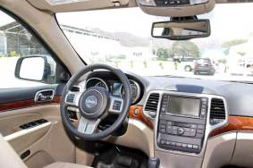 jeep-grand-cherokee-2011-volante-y-tablero
