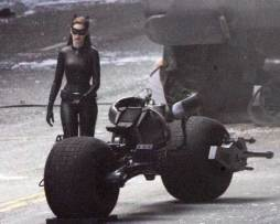 catwoman-annehathaway-3