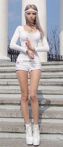 Valeria-Lukyanova-barbie-humana-07