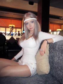 Valeria-Lukyanova-barbie-humana-09