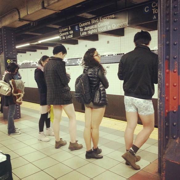 no_pants_subway_ride_2013_by_nany_nolapeles_1