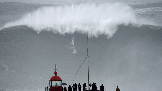 ola-gigante-surf-record-guiness-2013