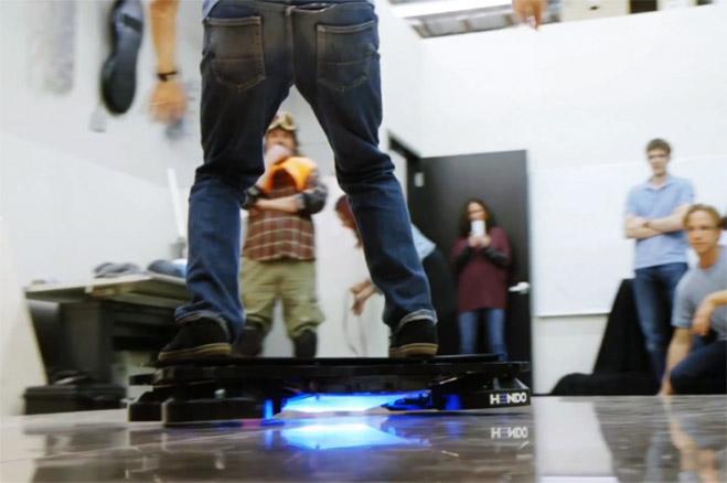 hendo-hoverboard-patineta-voladora-Tony-Hawk-01