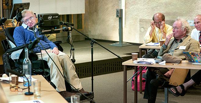 Stephen-Hawking-soluciona-paradoja-de-la-informacion