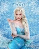 Angelina Jolie como Elsa
