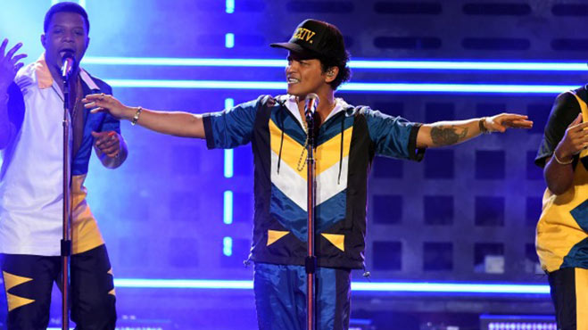 american-music-awards-bruno-mars-2016