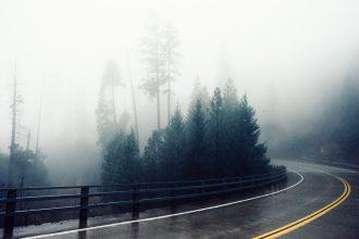 Come guidare nella nebbia