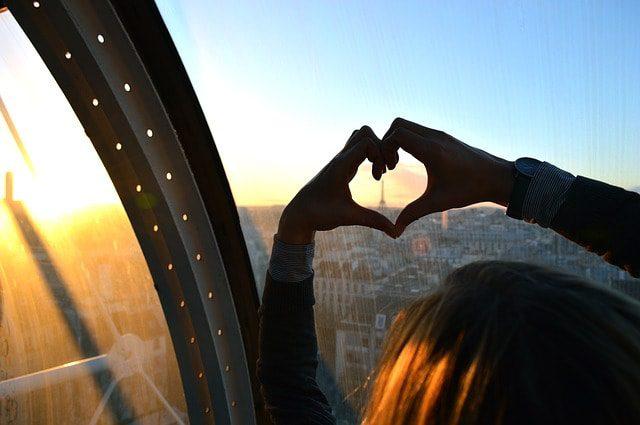Parigi è la città più affollata dai turisti nel mondo