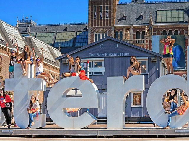 L'Olanda è una delle nazioni più felici del mondo. Noleggia un'auto in Olanda su Noleggioauto.it