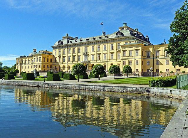 Le nazioni più felici al mondo: la Svezia. Noleggia un'auto in Svezia con Noleggioauto.it