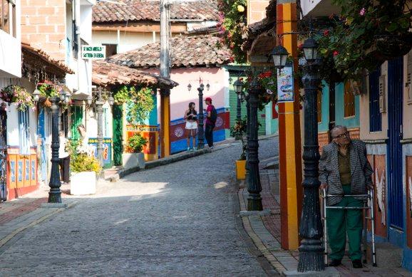 Guatape, colombia, nomadarte, vanlife