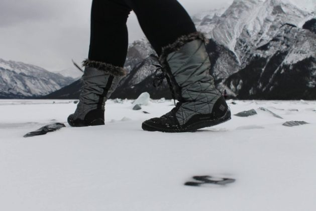 Warm winter boots - winter travel tips