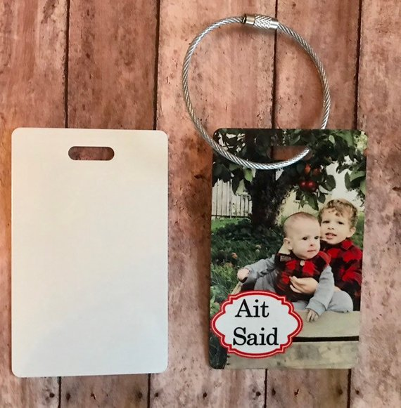 Customized photo luggage tags