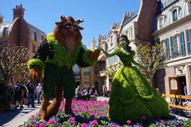 Beauty and the Beast topiaries - Disney topiaries