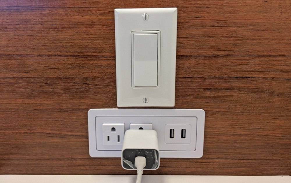 Plugs and lightswitch in Disney's Pop Century rooms