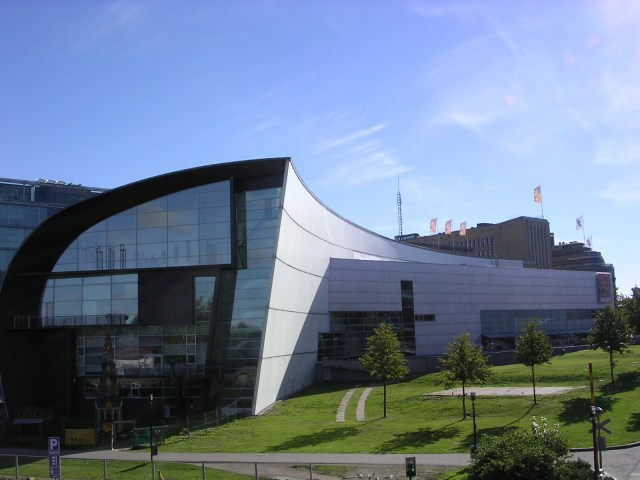 The Kiasma Museum of Contemporary Art is only one of many museums in Helsinki (Source: Aulo Aasma/Wikimedia).