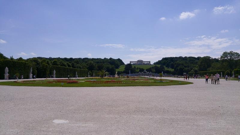 day trip to schönbrunn palace gardens
