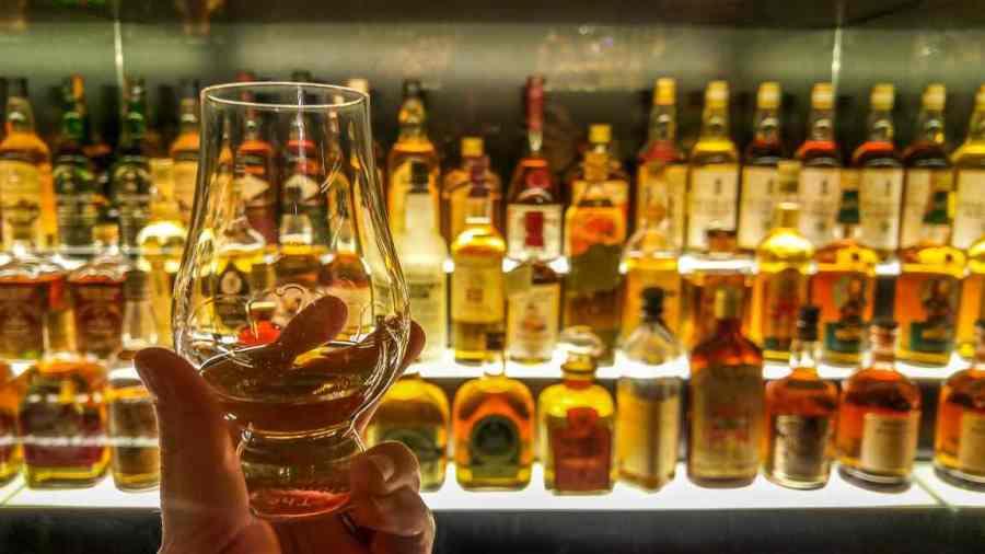 rainy day activities in edinburgh scotch whisky experience