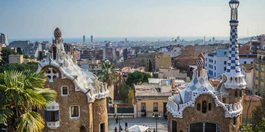 modernisme gaudi buildings in barcelona mapped walking tour