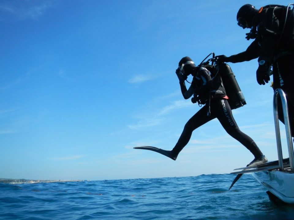 A Complete Guide To Start Scuba Diving