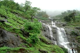 It is among top tourist places to visit near Mumbai for weekend getaways from Mumbai - Matheran