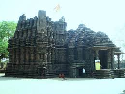 It is among top tourist places to visit near Mumbai for weekend getaways from Mumbai - Chalukya temple