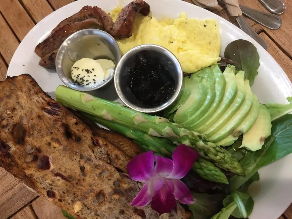 Breakfast at Island Vintage Coffee after an Outdoor Adventure in Oahu