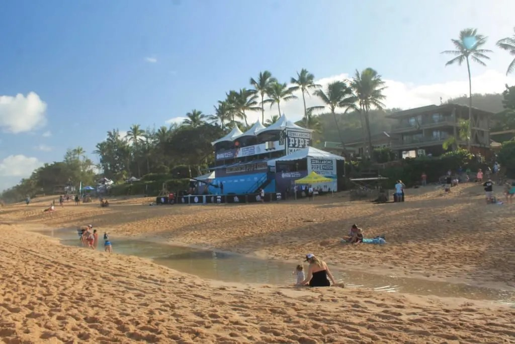 Pipeline beach, outdoor adventure Oahu