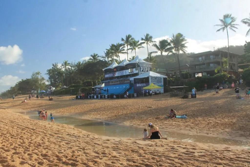 Pipeline beach, outdoor adventure Oahu