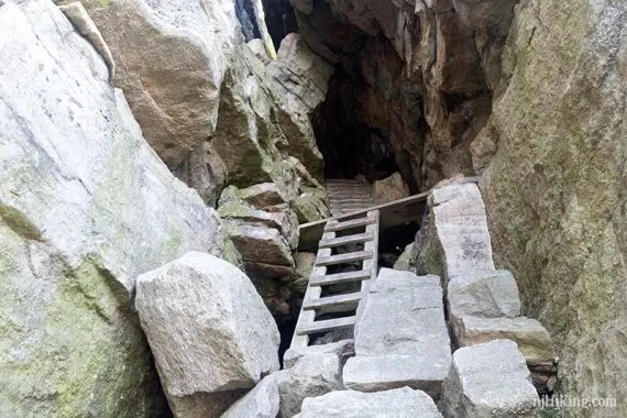 Mohonk Labyrinth and the Lemon Squeeze, Shawgunks, New York, Hikes on the east coast
