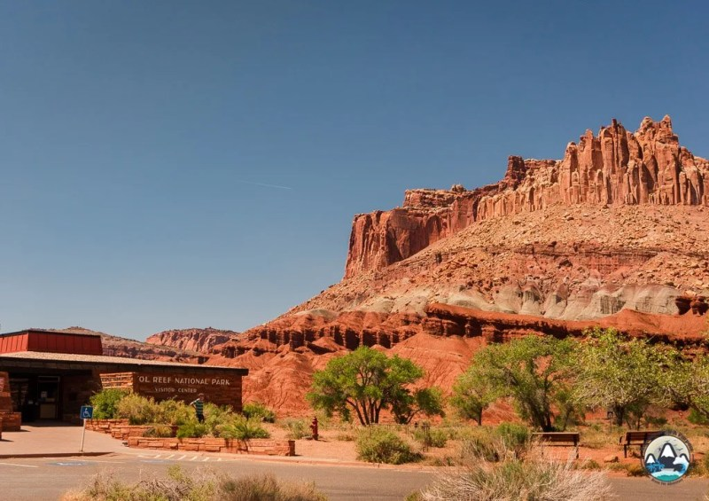 Utah Road Trip Itinerary Capitol Reef Visitor Center