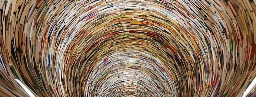 A tower sculpture made of books, with an opening so you can stick you head inside. Mirrors placed inside make the tower seem like it is infinite. Another of our great Prague secret, at the Prague Municipal Library.