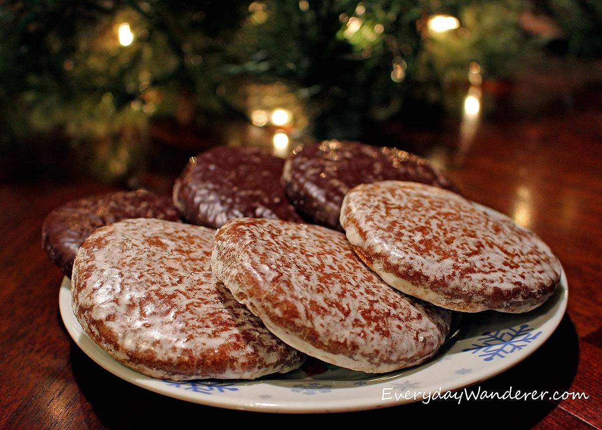 A plate of lebkuchen in Nuremberg, served as a traditional Christmas treat.