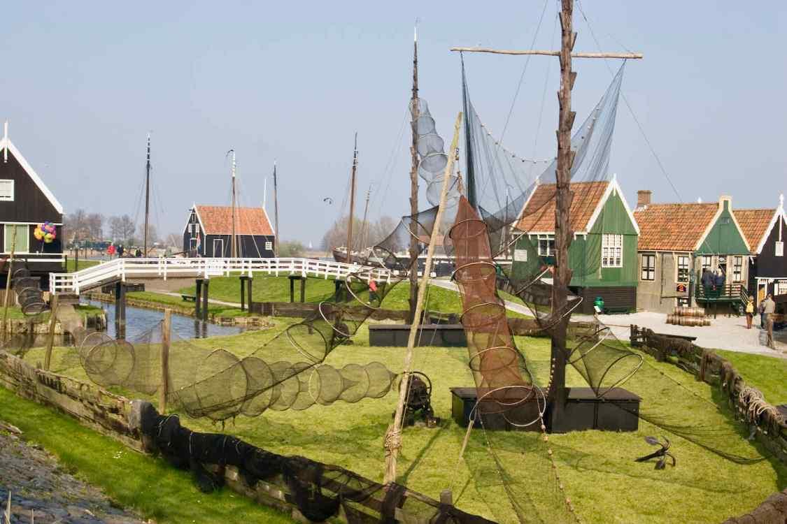 Visfuiken in het Zuiderzeemuseum in Enkhuizen.